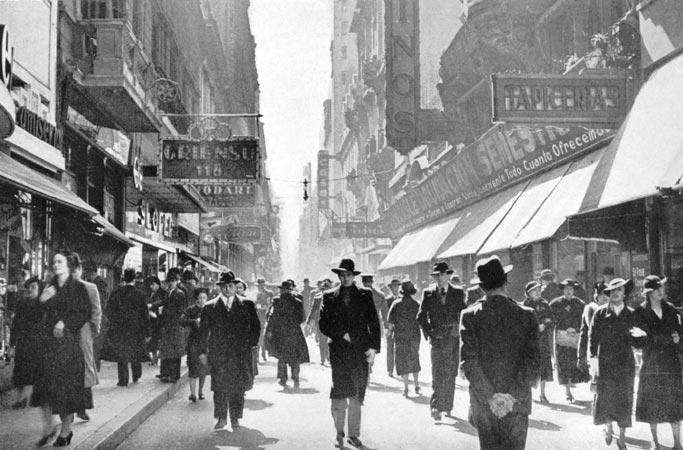 Horacio_Coppola_-_Buenos_Aires_1936_-_Florida_y_Bartolom-®_Mitre